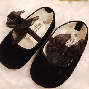 Black sheer bow shoes